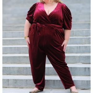 Eloquii Plus Size Velvet Pleated Jumpsuit 24 NWT